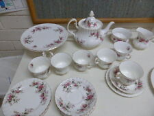 23 pieces Royal Albert Lavender Rose Tea Set trios teapot cake stand sugar milk