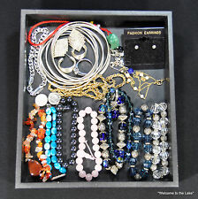 JEWELRY - Large Lot of twentieth century costume jewelry, glass beads