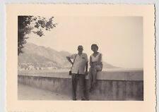 Bella vecchia fotografia Coppia di 10x7cm su un muro, sud della Francia, Costa, VINTAGE