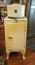 VINTAGE GENERAL ELECTRIC  CA-1-B16 1930's REFRIGERATOR  works