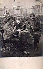 BL304 Carte Photo vintage card RPPC Homme Militaire uniforme table boisson