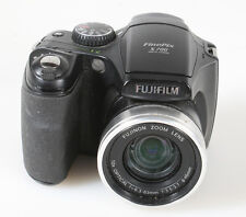FUJIFILM FINEPIX S700 DIGITAL POINT AND SHOOT CAMERA AS IS FOR PARTS