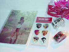 TAYLOR SWIFT STOCKING STUFFER w/ COLLECTIBLE GUITAR PICK SET -NICE!
