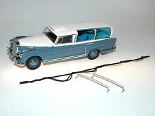 AutoCult, 1960 Mercedes 300d Versuchsbegleitwagen, mit Messfahrt-Zubehör, 1/43