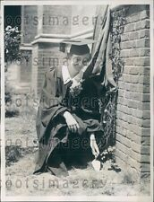 1935 University of Pennsylvania Class President Plants Ivy Hey Day Press Photo