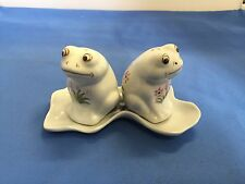 FROST WHITE FROGS W/PETRI DISH SALT & PEPPER SHAKER'S VINTAGE ORIGINAL CERAMIC