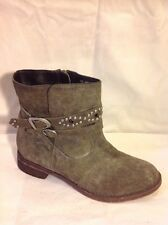 Sole Diva Khaki Ankle Suede Boots Size 5