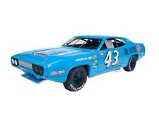 1:18 ERTL AUTOWORLD 1972 Plymouth Roadrunner Richard Petty #43