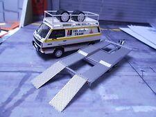 SET VW Bus T3 AUDI Rallye Service Van HB + Auto Anhänger Trailer SET 1:43