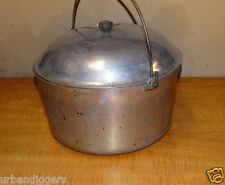 12971/ Vintage  COOKWARE 6 QT DUTCH OVEN STOCK POT WIRE BAIL Handle Camping