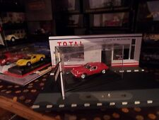 HONGWELL LOTUS EUROPA S2 1968 RED 1:43   BOITE CRISTAL