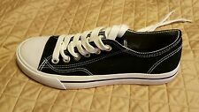 NEW Mossimo shoes size 8 black and white casual everyday