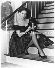 ACTRESS YVONNE DE CARLO LEGGY IN FISHNETS SEXY LEGS 8X10 PHOTO A-YD2