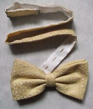 VINTAGE MENS DICKIE BOW TIE BOWTIE 1980s 1990s GOLDEN CREAM ADJUSTABLE TO 18""