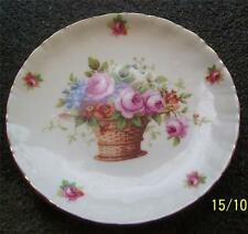 PRETTY VINTAGE ROYAL DOULTON BASKET OF ROSES PIN OR BUTTER DISH