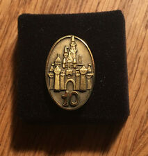 10 YEAR SERVICE PIN - Cinderella's Castle DISNEY WORLD CAST MEMBER New in box