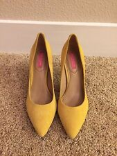 Isaac Mizrahi Pumps In Yellow Size 7.5
