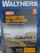 Walthers N #933-3200 Interstate Fuel & Oil -- Kit (Plastic Kit)