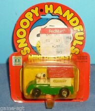 Peanuts Snoopy Handfuls Mini DieCast Car - Snoopy In Dog House MOC  (M)