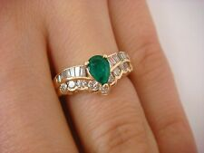 14K GOLD EMERALD AND VS-CLARITY DIAMOND LADIES V-SHAPED RING SIZE 5/FREE SIZING