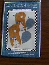 Cats in the Kitchen KIT T12 fabric potholders mitts  L A Designs