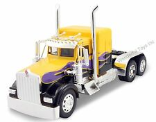 NewRay Kenworth W900 Custom Cab 1:32 scale diecast truck model Yellow N210