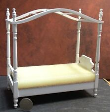Dollhouse Miniature Single Canopy Bed White 1:12 inch scale F70 Dollys Gallery