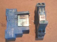 RELAIS RELAY FINDER type 95.75 avec relais 40.52 Commande 24V CC ou AC