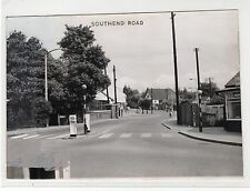 SOUTHEND RD, WICKFORD, ESSEX: Publisher's photograph to produce postcard (C3326)