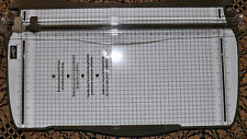 Stampin Up!~~~~STAMPIN TRIMMER     NEW      PAPER CUTTER AND SCORER
