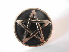 Pentacle pin badge. Pentagram. Pentangle Occult Witchcraft Warlocks Pagans Pagan