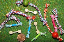 4 x Hundespielzeug Miniatur 1:12 Zubehör Puppenstube Puppenhaus Diorama Schleich