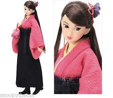 "Sekiguchi momoko doll  "" Happy Graduation ""  Etat impeccable  + Stand"
