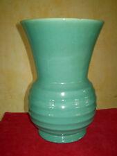 Grand vase Art Déco de la manufacture Villeroy et Boch, de couleur vert celadon