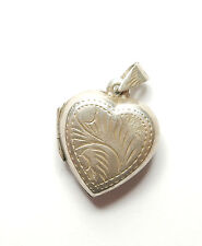 Vintage 925 Sterling Silver LOVE HEART SHAPED PICTURE PHOTO LOCKET PENDANT 3g