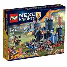 LEGO NEXO KNIGHTS The Fortrex,2-in-1 Battle Castle LEGO Set 70317 +7 Minifigures