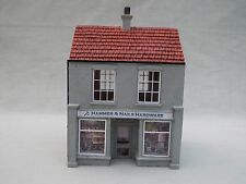 00 Gauge Model Building 'Hammer & Nails' Hardware Store - Hornby Skaledale R9713