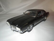 "LANE ExactDetail Replicas  ""71 Oldsmobile  Cutlass  Supreme  SX schwarz 1:18 OVP"