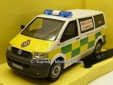 VOLKSWAGEN VW T5 TRANSPORTER LONDON AMBULANCE EMERGENCY 1/43RD VAN MODEL J23 -+-