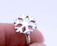 Bonito ajustable plateado copo de nieve anillo