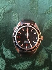 Omega Seamaster 45mm Planet Ocean 2210.5 Wrist Watch for Men