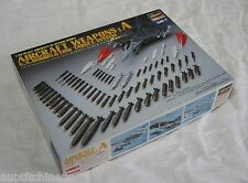 Hasegawa 1/48 Aircraft weapons : A U.S. bombs & tow target system x48-1