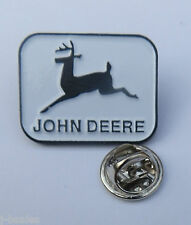 RARE PIN BADGE - JOHN DEERE TRACTOR #2