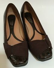 Naturalizer N5 Comfort Wedge Heels Shoes Brown Shiny Faux Croc Size 6 M
