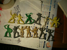 13 TOY SOLDIERS SOLDATINI VINTAGE CO. MA.alti 6 e 5,5 cm