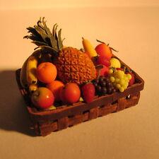 Panier de fruits dans ~ doll house miniature nourriture ~ l'échelle 1/12