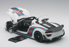 Autoart PORSCHE 918 SPYDER WEISSACH PACKAGE WHITE/MARTINI LIVERY 2013 1/18 New!
