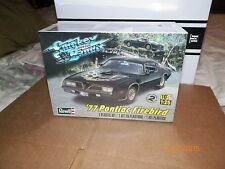 REVELL 1/25 MODEL 77 PONTIAC FIREBIRD SMOKEY AND THE BANDIT FREE PRIORITY SHIP