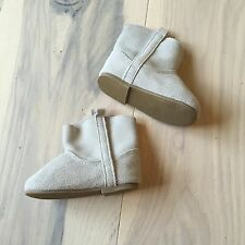 NWOT Baby GAP Genuine Suede Neutral Baby Boots 6-12 Months