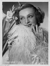 Photo originale Colette Darfeuil Prends la route boa plumes glamour